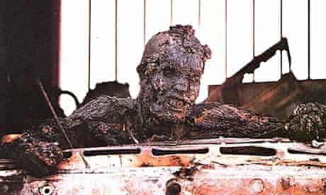 A dead Iraqi soldier, 1991