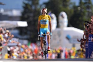 Best TDF 2014: Italy's yellow jersey wearer Vincenzo Nibali saviours his moment