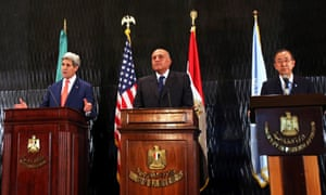 US Secretary of State John Kerry (L-R), Egyptian Foreign Minister Sameh Shoukry, and UN Secretary General Ban Ki-moon deliver a press conference in Cairo, Egypt, 25 July 2014.