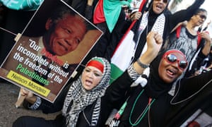 Durban: South African women demonstrate in support of the Palestinian people.