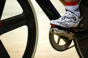 tom jenkins day 3: A close detail shot of Laura Trott's shoes