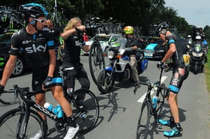 Best TDF 2014: Christopher Froome receives a new bike