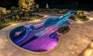 A $1m violin-shaped swimming pool
