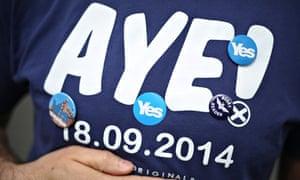 Pro-independece activist wears an 'aye' t-shirt