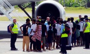 asylum seekers leaving cocos island