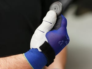 3D printed thumb in locked position