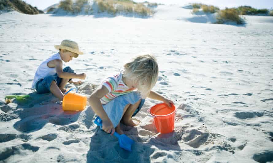 US Money vacation sand castles