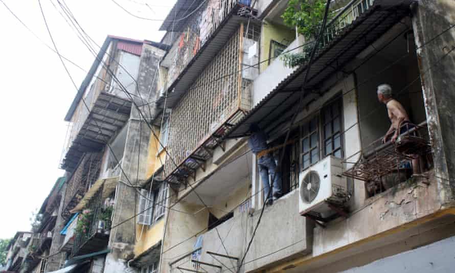 Hanoi construction workers