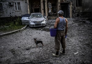 20 photos: A man with his dog in Donetsk