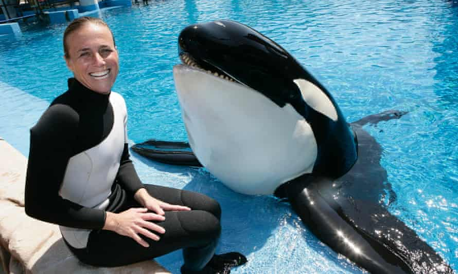 Dawn Brancheau with a killer whale called Nalani during March 2009.
