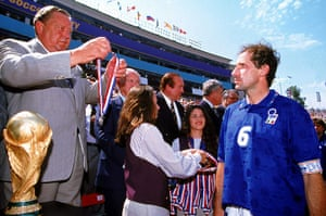 Best World Cup photos: Soccer - 1994 FIFA World Cup - Final - Brazil v Italy - Rose Bowl, Pasadena