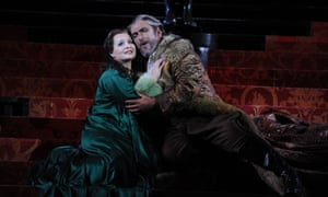 Lianna Haroutounian as Desdemona and Simon O'Neill as Otello.