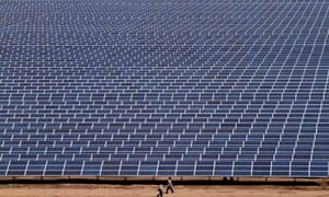 Indian workers solar park
