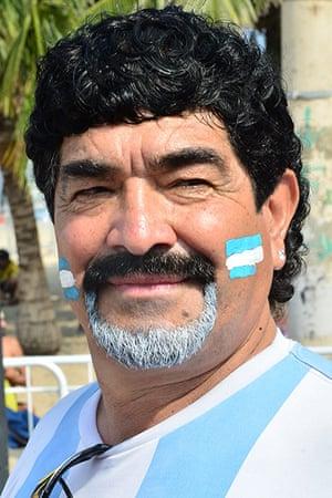 weird sport: A lookalike of retired Argentine footballer Deigo Maradona