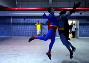 weird sport: superman and batman
