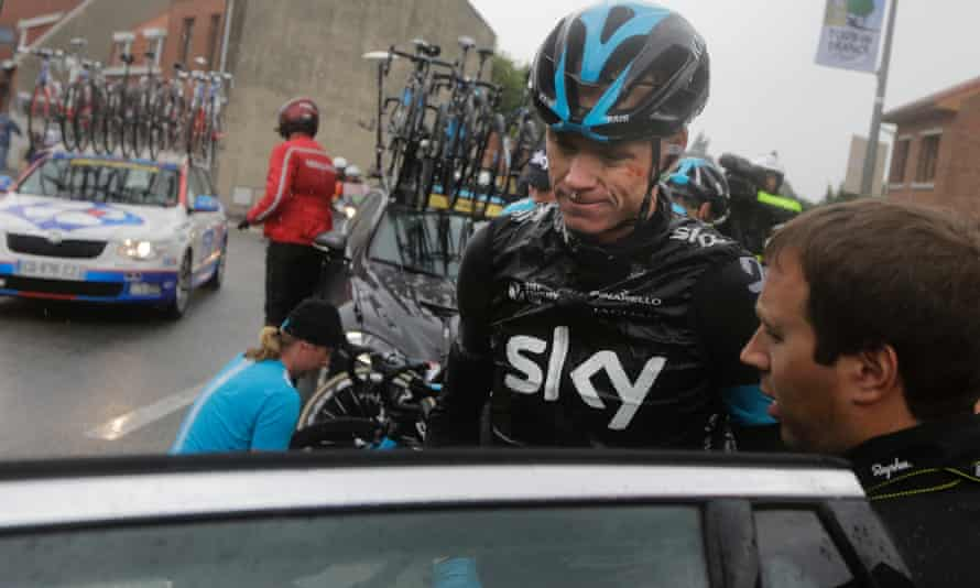 Froome calls time after his second crash.