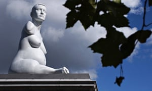 Marc Quinn's statue of Alison Lapper Pregnant on Trafalgar Square's Fourth Plinth in 2005