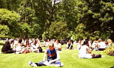 People in St James's Park, enjoying the sun during the fourth-hottest summer since 1910.