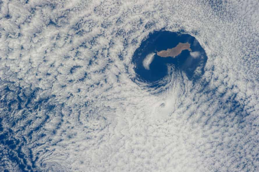 Guadalupe Island and the Von Karman cloud vortices