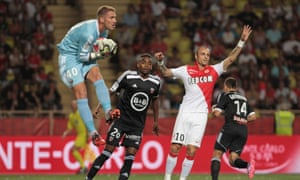 Lorient's Benjamin Lecomte claims a cross during their visit to Monaco in Ligue 1