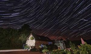 Perseid meteor dhower in Wales 2013