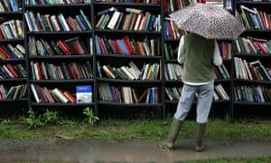 Outdoor bookshelf