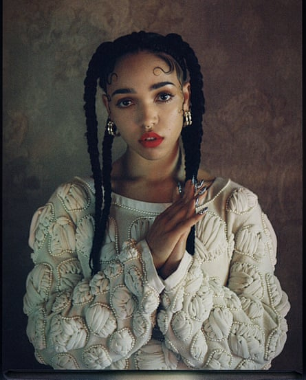 Chola Style The Latest Cultural Appropriation Fashion Crime Fashion The Guardian