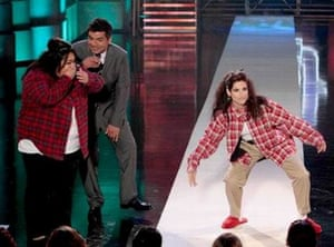 Sandra Bullock does 'chola style' - on the George Lopez show