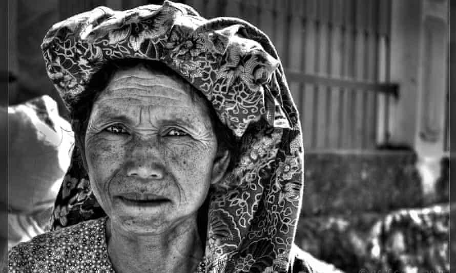 A woman at the Rantepo market