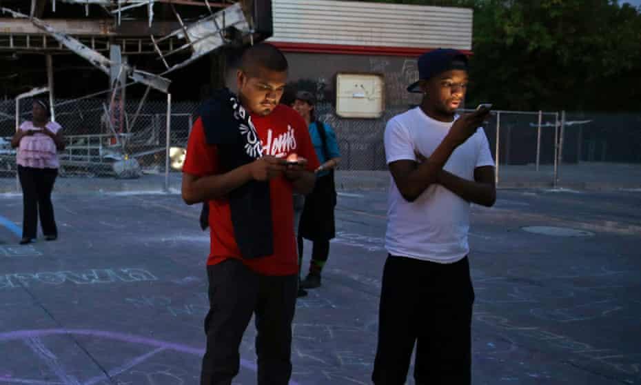 ferguson men cell phones