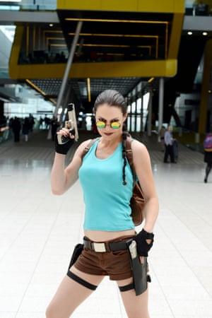 Loncon visitor Ellie Winpenny as Lara Croft