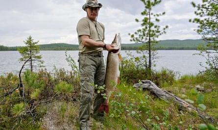 Vladimir Putin fishing Siberia
