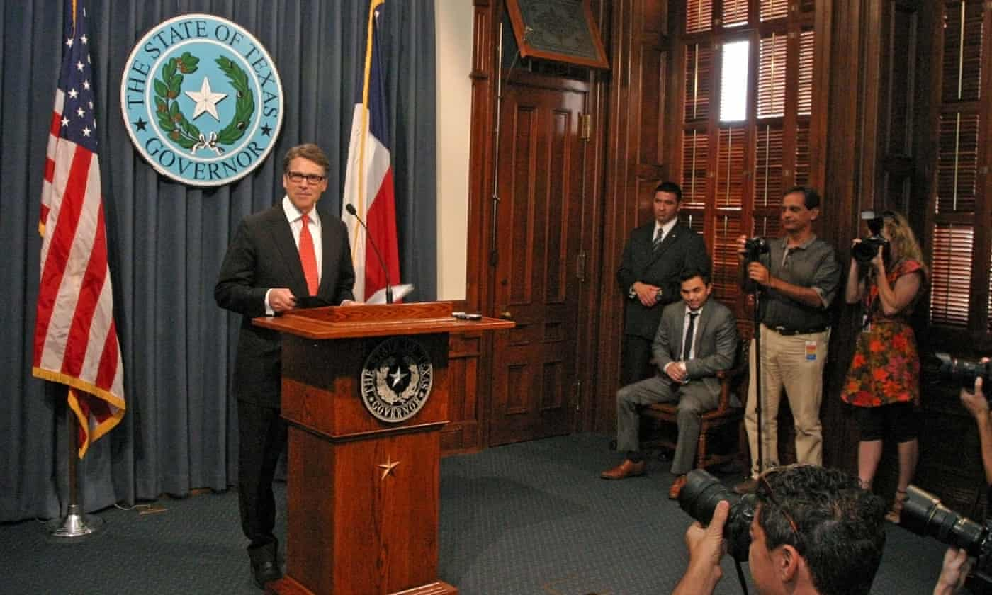 Felony indictment challenges Rick Perry's pre-2016 image makeover