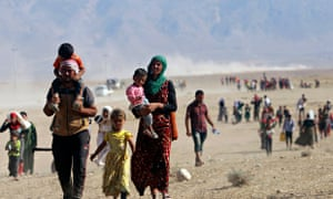 Displaced Yazidis fleeing violence n Sinjar town