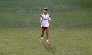 Cristiano Ronaldo likes to show off his tanned legs. Photograph: Paul Sancya/AP