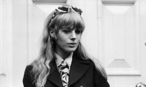 British pop singer and actor Marianne Faithfull smokes a cigarette after leaving the court where her boyfriend, Rolling Stones lead singer Mick Jagger, and guitarist Keith Richards were sentenced for drug possession, Chichester, England. (Photo by Express/Express/Getty Images)