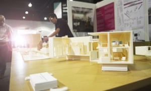 At Dwell on Design Los Angeles, attendees examine zero-energy housing units designed by students from the Georgia Tech College of Architecture.
