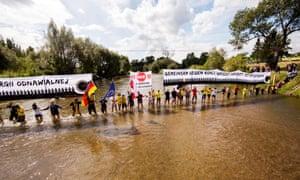 Greenpeace human chain