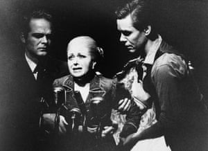 1978:  Eva Peron, played by Elaine Paige, being helped to make her last speech, in the musical 'Evita', by Andrew Lloyd-Webber and Tim Rice.