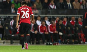 Shinji Kagawa leaves the pitch during United's defeat at MK Dons.