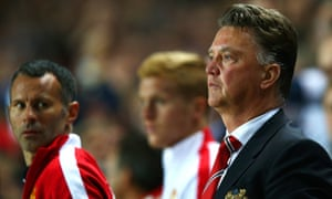 Ryan Giggs and Louis van Gaal during the defeat at MK Dons.