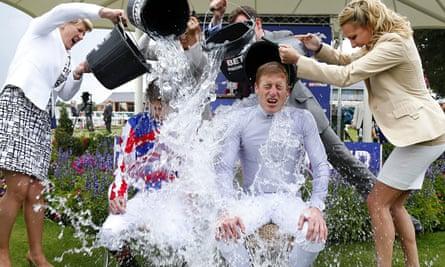People taking the Ice Bucket Challenge