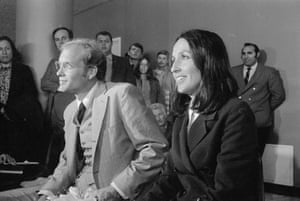 Joan Baez and her husband David Harris speak to the press at San Francisco Airport, March 1971. Harris had just been released after spending 20 months in Federal prison for draft evasion