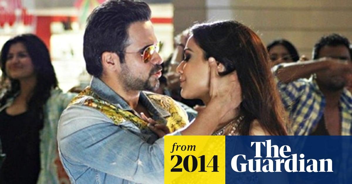 Humaima Malick's cross-border Bollywood kiss sparks row in