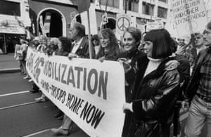 Joan Baez with her sister Mimi Farina at a peace march to protest the Gulf War in 1991
