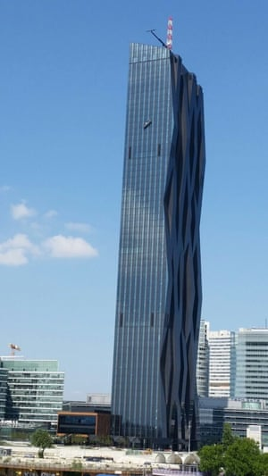 Thisimage shows how far up the window cleaners were when their platform slipped.