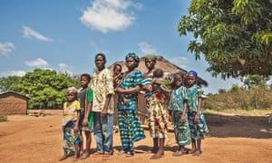 Moise Adihou and his family cotton