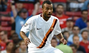 Ashley Cole in acxtion for Roma