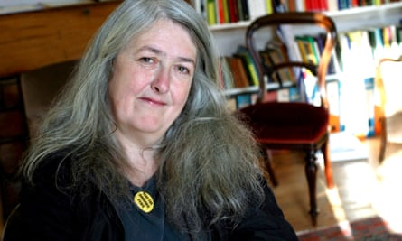 Academic Mary Beard, who had been the subject of online abuse, should have an online award for women named after her, says Charles Leadbeater
