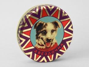 ZVEZDOCHKA TIN Confectionery tin, USSR (1961) A tin with a portrait of Zvezdochka. Text reads 'Zvezdochka'.